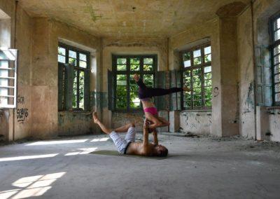 AcroYoga-urbex-yoga-italie