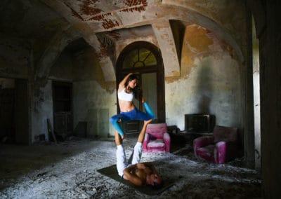 acroyoga-urbex-palazzo-M-italie-2