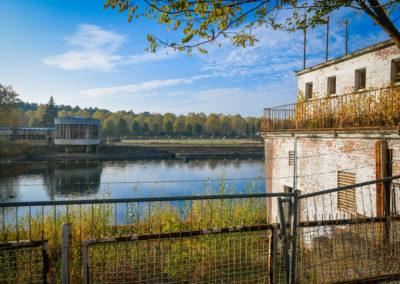 acroyoga-urbex-belgium-bain-road6